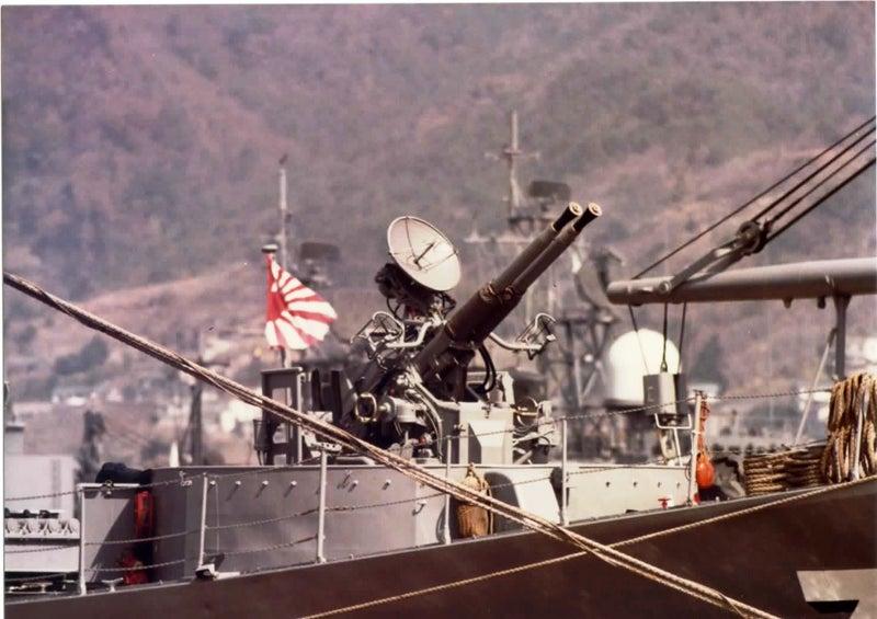 なつかしの自衛艦.......「みずとり」型駆潜艇PC-319「しらとり ...