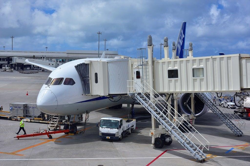 天候急変の那覇空港を出発