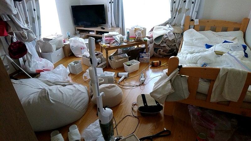 汚 部屋 脱出 【床の上編】汚部屋を脱出だ!とんでもない汚部屋を片付ける方法|ミ...