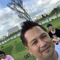 沖縄の空の下で4DSヨガ、減腔をして自己呼吸で健康に