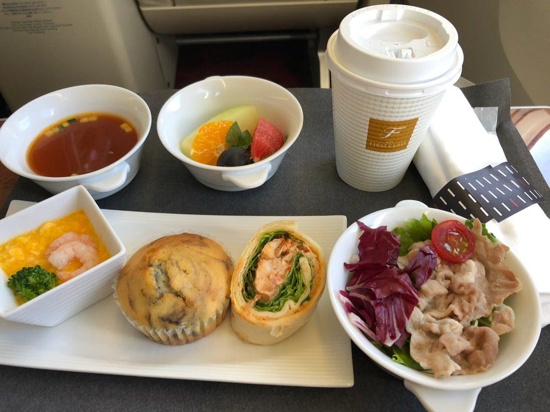 JAL国内線 ファーストクラス機内食 | アートでグルメな風景 別館