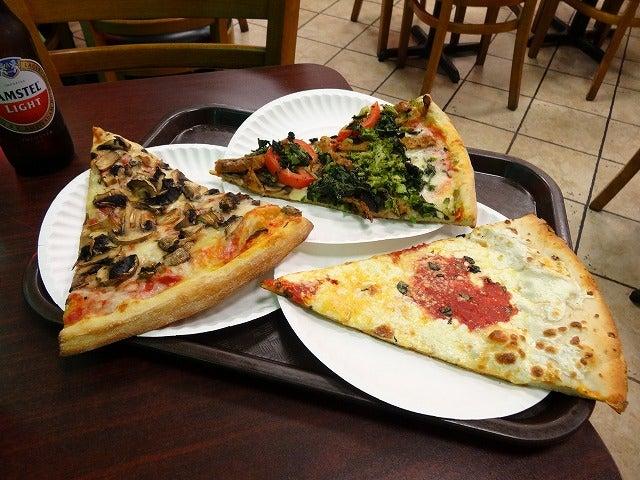 ピザの一切れがデカイ | 結構辛辣なことも書きます