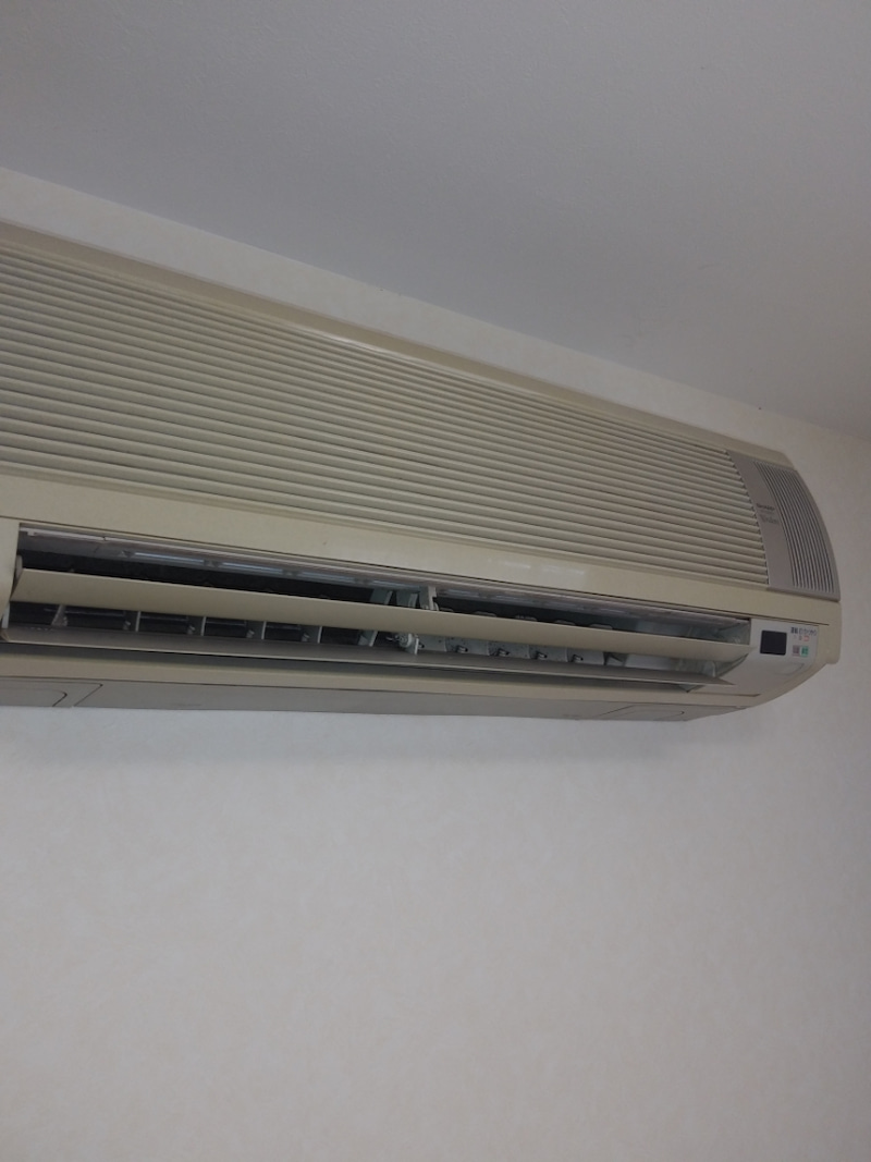 エアコン 水 漏れ 修理