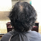 くせ毛でも収まるようにカットの記事より