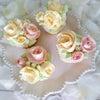 安定の可愛さ!薔薇絞りをフワフワのバタークリームで作りました!の画像