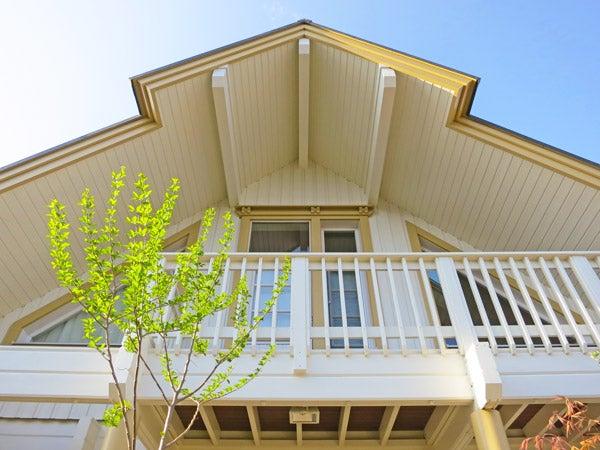 北欧デザイン住宅のランタサルミログハウス