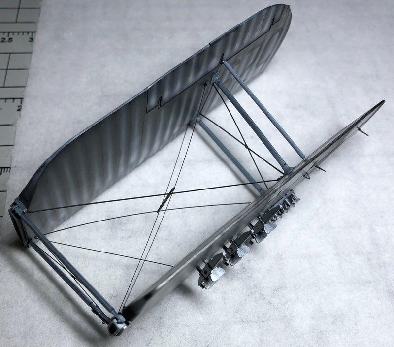 タミヤ フェアリーソードフィッシュ水上機型の主翼張り線