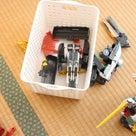 おもちゃの収納は組み合わせて使うことでお片づけしやすくなる「棚+カゴ」の記事より