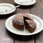 【計量簡単レシピ】材料4つで濃厚チョコケーキ