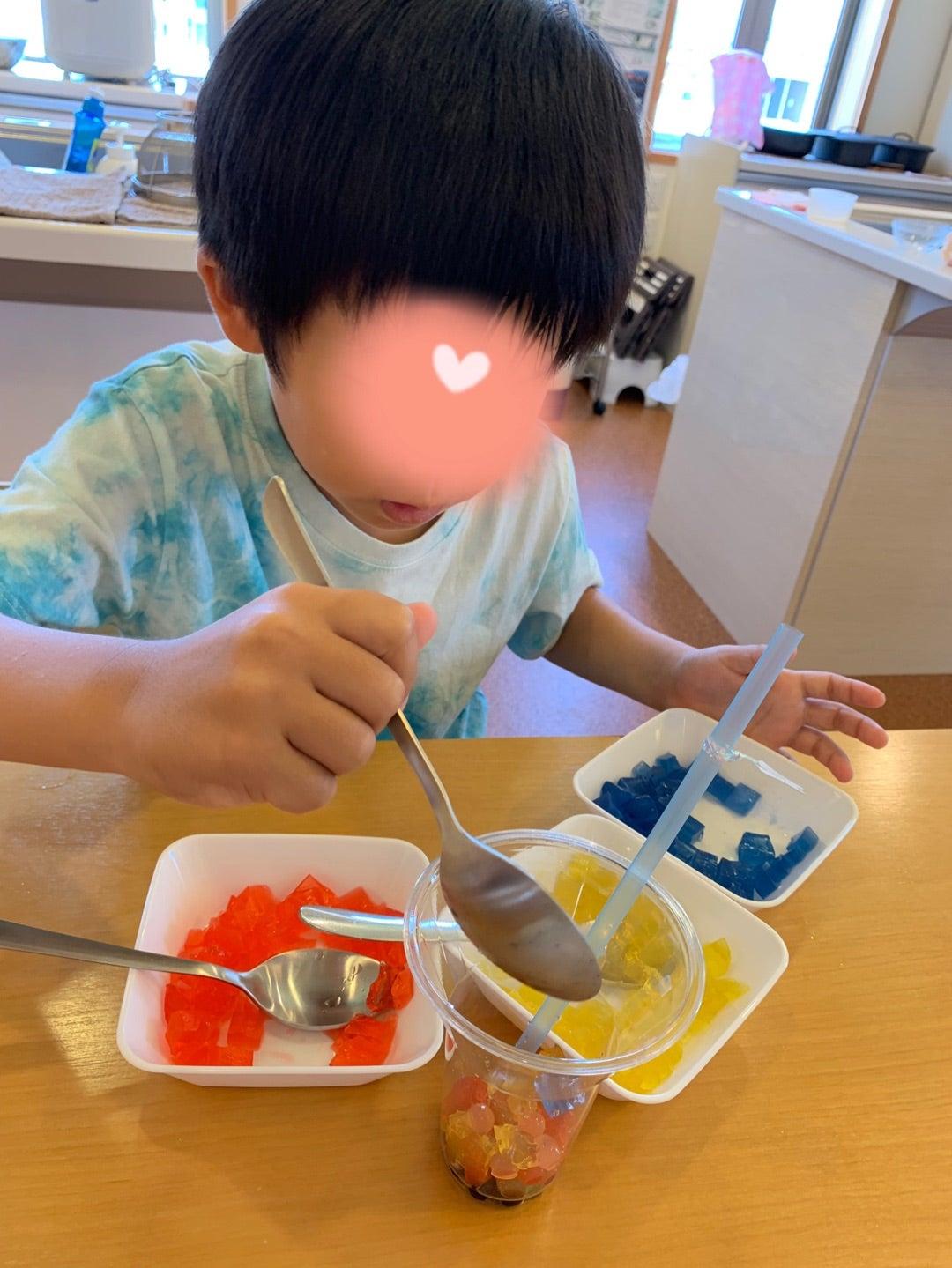 子ども達でトロピカルジュースパフェを作ったよ!の記事より