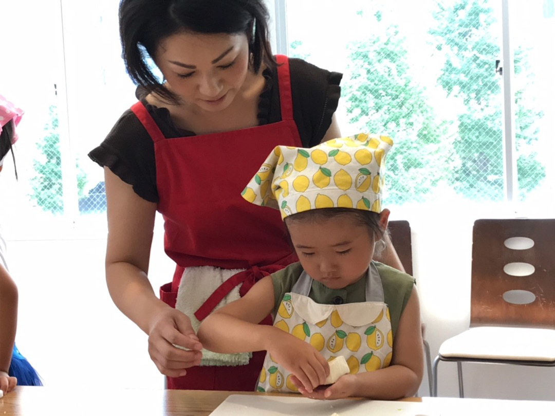 3歳からお豆腐を手のひらで切りますの記事より