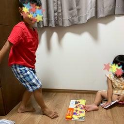 画像 5歳お兄ちゃん、手遊び歌を妹に教えるために練習中!#5歳までに の記事より