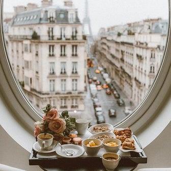 パリで起こった高級時計強奪事件、渦中の時計と舞台となったホテル