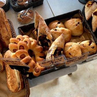 朝ごパンの買い出し♪