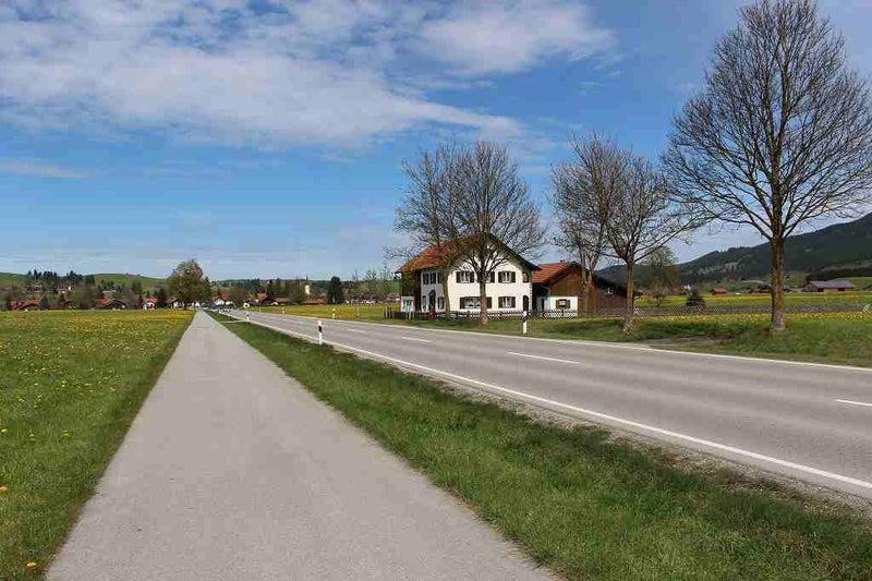 ノイシュバンシュタイン城に続く道