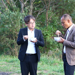 画像 今年も秋空の下で「映画関係者いも煮会」開催 by 山形県興行組合 の記事より 29つ目