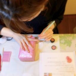 画像 【利き手へのネイルが塗りやすくなる】アームレストの使い方 の記事より 5つ目