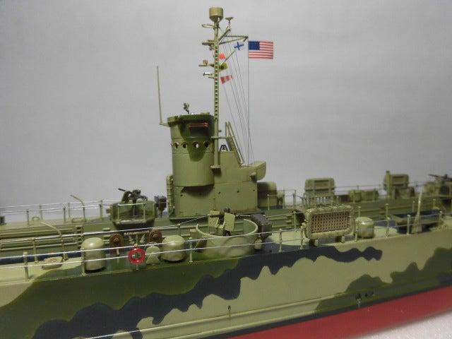 アメリカ海軍 中型揚陸艦 6   プラモデル空母の特徴