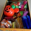 お菓子の缶の現状とオバケミッキーの開け方に戸惑う母さん(笑)…Σ (´Д`ノ)ノの画像
