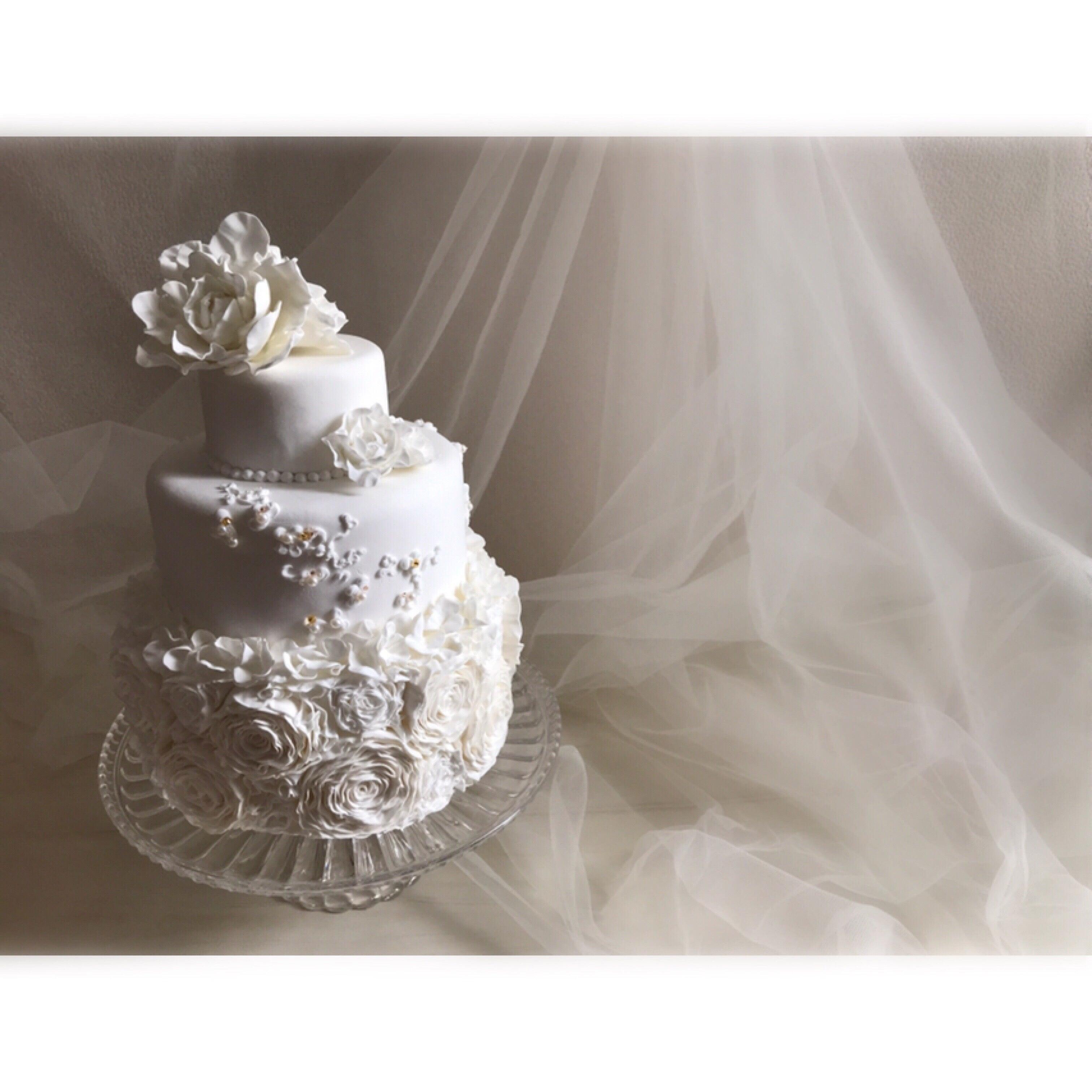 ホワイトローズのクレイケーキ 3段 のご紹介