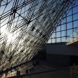 """画像 モエレ沼公園を象徴するモニュメント、ガラスのピラミッド """"HIDAMARI""""へ の記事より 7つ目"""