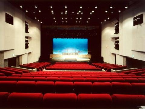 坊ちゃん 劇場