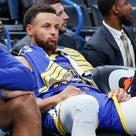 NBA:インフルエンザのステフィン・カリーは自宅休養、マイカル・モルダー契約への2つの選択肢の記事より