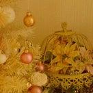 たくさんのクリスマスグッズでお出迎えいたします。の記事より