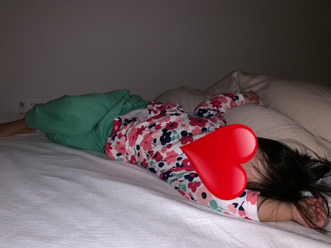 定番の寝かしつけパターンの記事より