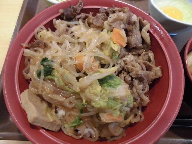 すき焼き丼1