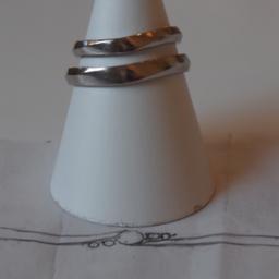 画像 彼女の婚約指輪に合わせたフォルムを削り出す結婚指輪の製作過程。。。 の記事より