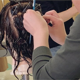 画像 〈美容師国家試験〉火曜日クラスのカールの授業 の記事より 2つ目