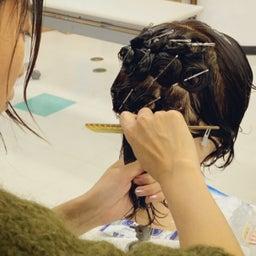 画像 〈美容師国家試験〉火曜日クラスのカールの授業 の記事より 3つ目