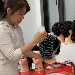 画像 〈美容師国家試験〉オールウェーブセッティングのウィッグのパーマ の記事より 2つ目