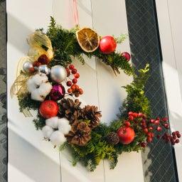 画像 玄関ドアのリースをクリスマスバージョンに替えました! の記事より 1つ目