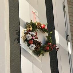 画像 玄関ドアのリースをクリスマスバージョンに替えました! の記事より 2つ目