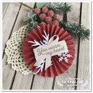 クリスマスデコにも!手作りロゼットで華やかに。作り方も。の記事より