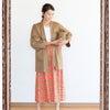 寒い日の心温まる布製品の展示の画像