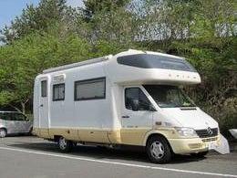 bousou「暴走的旅行箱車」