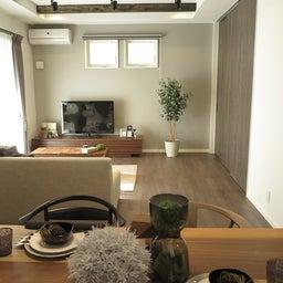 画像 広い壁面を活かした総幅3m以上の収納家具を提案!TVボードとデスクを同じデザインで提案できます の記事より 10つ目