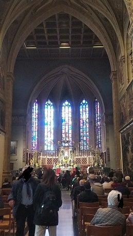 ノートルダム大聖堂の中の写真