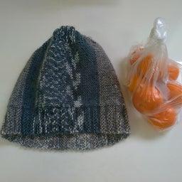 画像 あったかい手編みの帽子 の記事より
