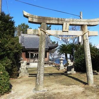 近所の小さな神社、西神社。