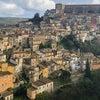 浮かび上がったような街イタリア・ラグーサの画像