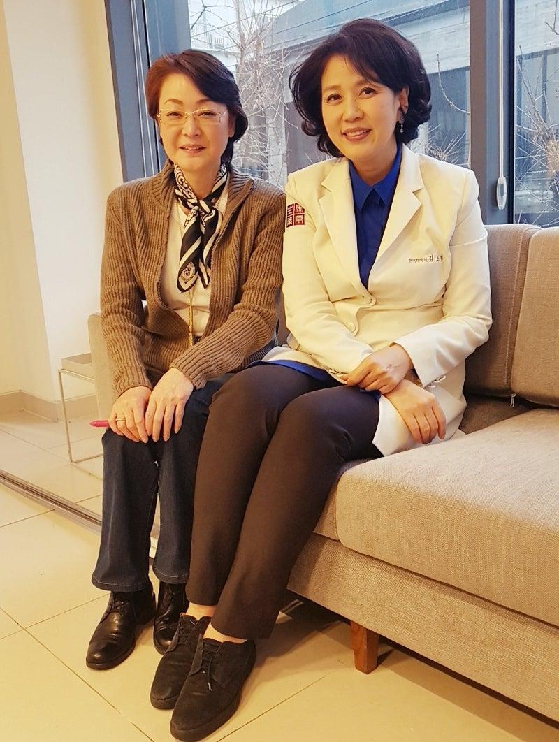 女優の黒田福美さんがキムソヒョン韓方クリニックにいらっしゃいました ...