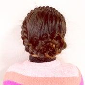 1本の編み込みで作るお花のまとめ髪♡