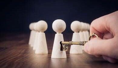 2つの選択肢で迷っている時はチャンスタイムが来ています。の記事より