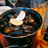 Cafe Salade de fruitsの絶品Mussels and Friesの画像