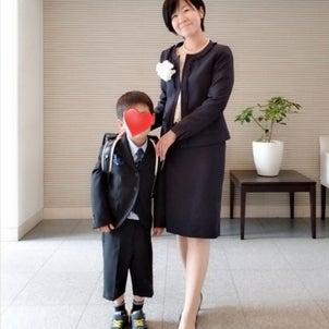 【保存版】ママにオススメなフォーマルスーツの選び方☆ママも快適に式典当日をお迎え☆の画像