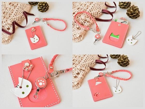 ピンク革の猫のパスケース
